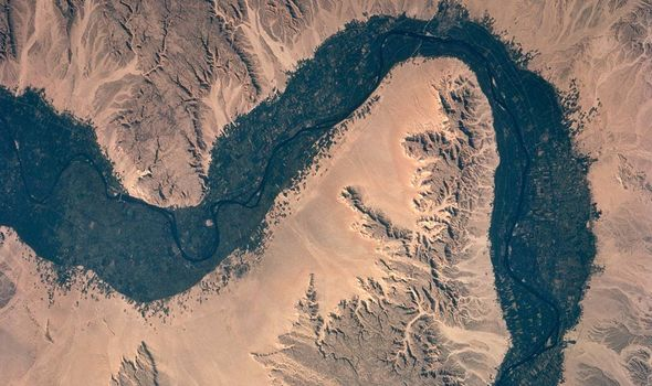 The Nile shifted over location of centuries
