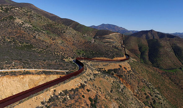 Trump USA Mexico border wall fence