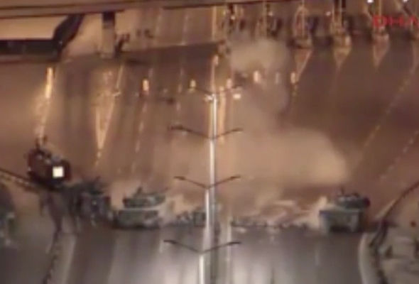 Horrifying footage captures moment Turkish soldiers open ...