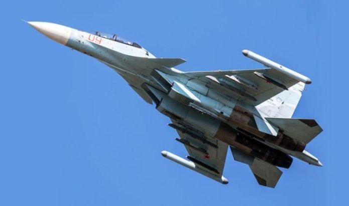 Chaos above Black Sea: Russian jets intercept 'US spy plane' - warned away from border