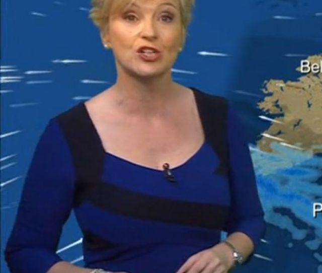 Carol Kirkwood Bbc Weather Presenter Carol Kirkwood Goes Glam In Figure Hugging Blue