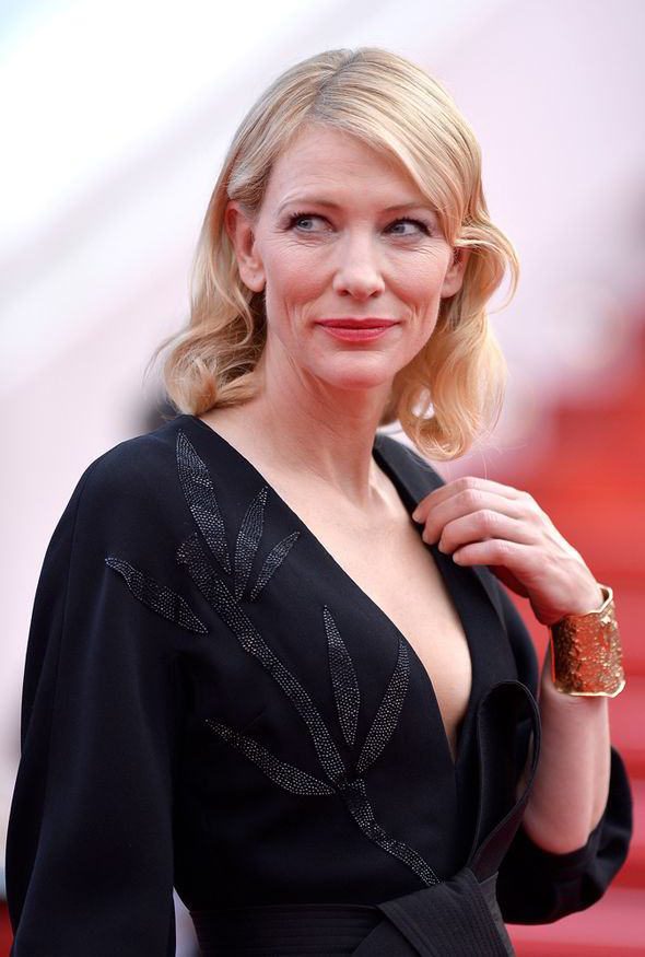 Cate Blanchett Flaunts Cleavage In Low Cut Gown On Cannes