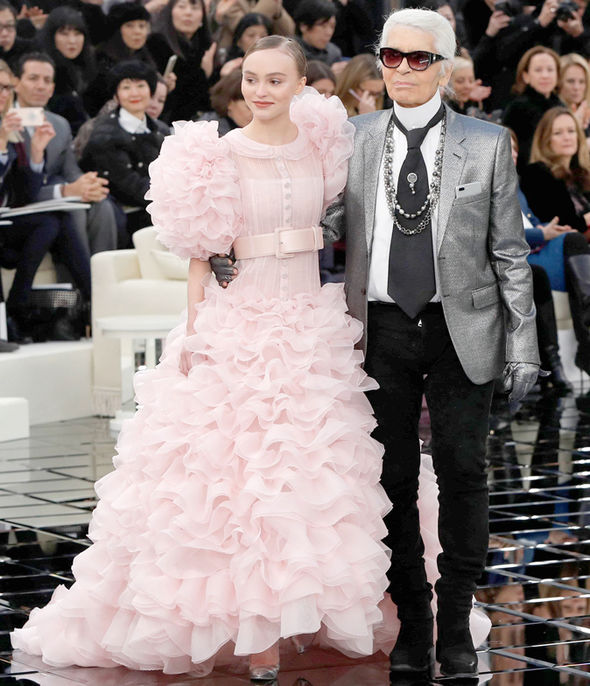 Johnny Depp Lily-Rose Depp Chanel Karl Lagerfeld Paris Fashion Week