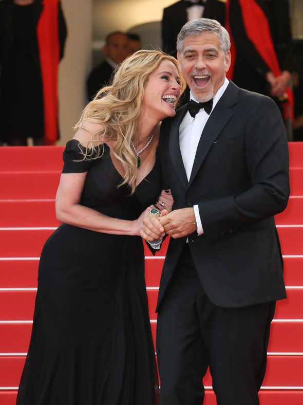 Julie Roberts and George Clooney