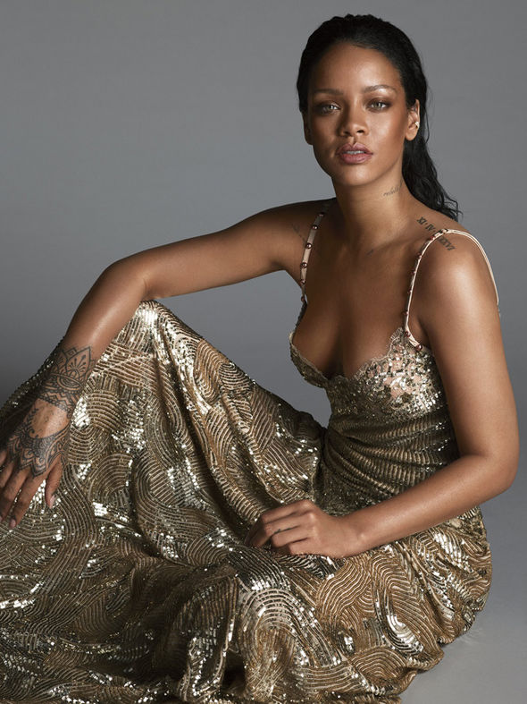 https://i1.wp.com/cdn.images.express.co.uk/img/dynamic/79/590x/secondary/Rihanna-in-gold-sequin-gown-491985.jpg?w=620