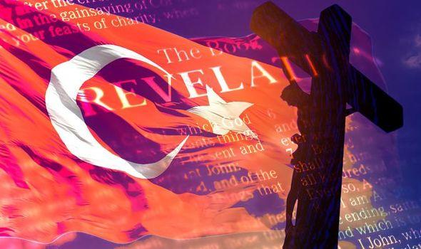 Noticias bíblicas: Jesucristo en la cruz y bandera turca
