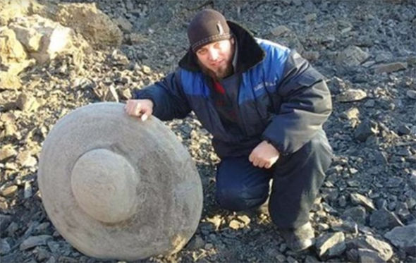 'Crashed UFOs' found in Russia which contain 'remains of ...