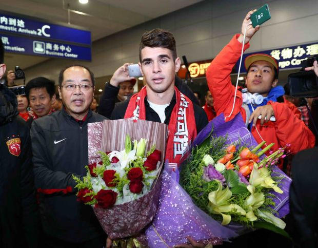 Oscar arrives in China to complete Chelsea move