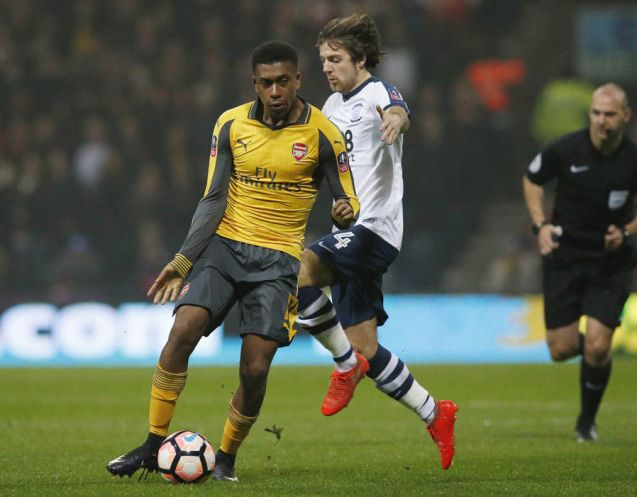 CAM: Alex Iwobi - 6: Not his greatest game but some terrific work led to Ramsey's opener