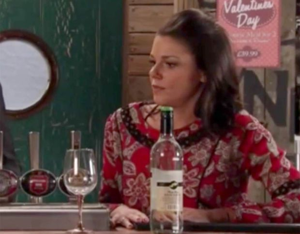 Coronation Street viewers were left amused by an hilarious gaffe which saw Faye Brookes present an empty bottle of wine at the Bistro