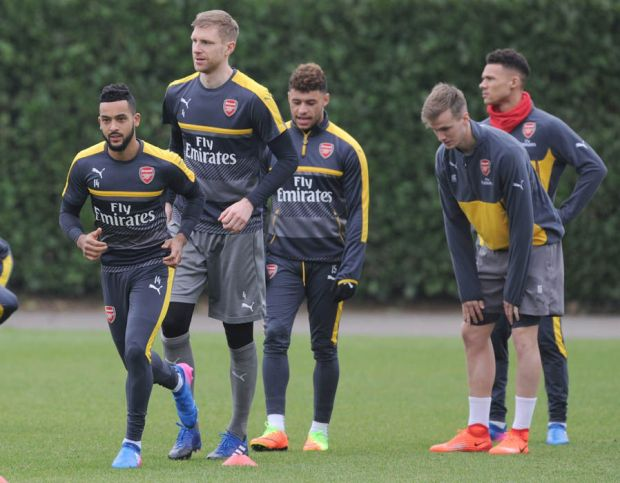 Theo Walcott and Per Mertesacker
