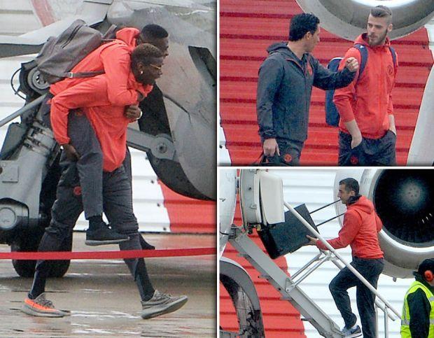 Manchester-United-Anderlecht-Wayne-Rooney-plane