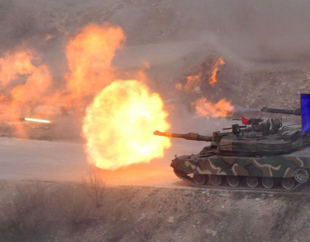 South Korean K1A2 tanks fires live rounds