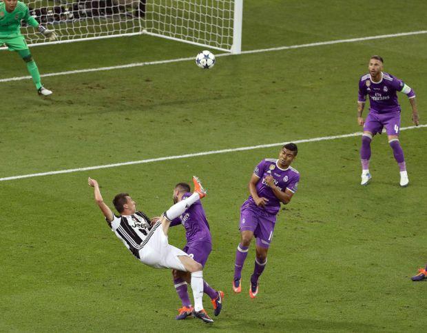 Mario Mandzukic Juventus goal Champions League final
