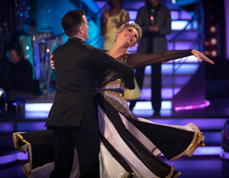 Ruth Langsford and Anton Du Beke did the Foxtrot to make The Knife by Bobby Darin