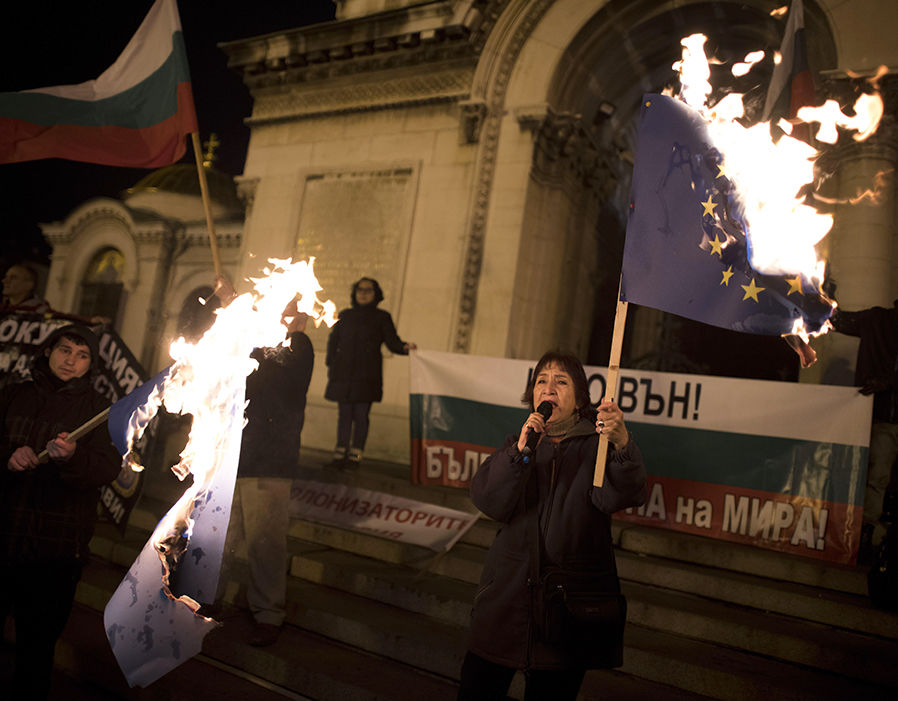 Protests kick off in Sofia as Bulgaria takes over its first Presidency of the European Council  Brexit news: EU warned no deal will cost bloc £500 BILLION | Politics | News 328660