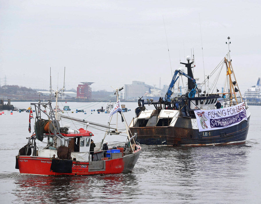UK fishermen fear the EU will impose laws that shrink British fishing fleets   Brexit LIVE: May prepares for Commons showdown with Tory rebels | Politics | News 357617