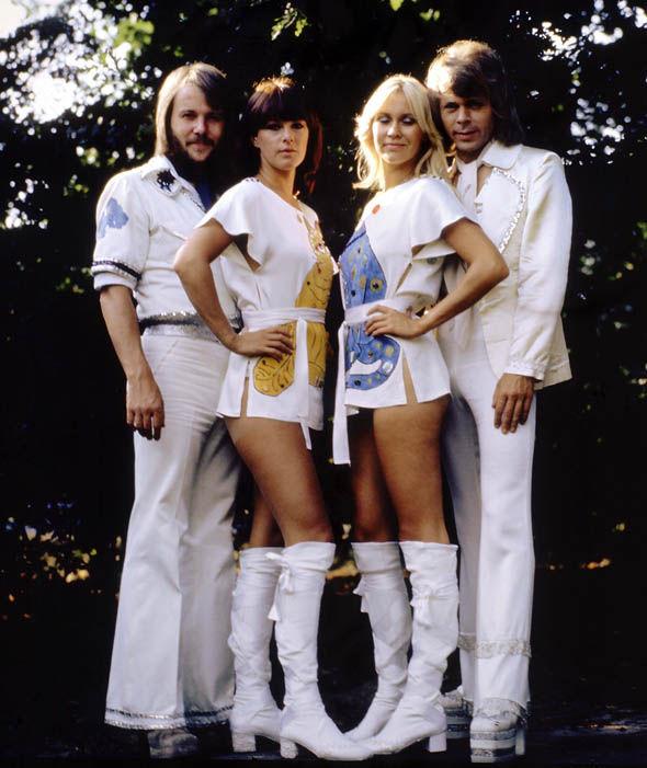 Benny Andersson, Anni-Frid Lyngstad, Agnetha Faltskog, Bjorn Ulvaeus in 1975