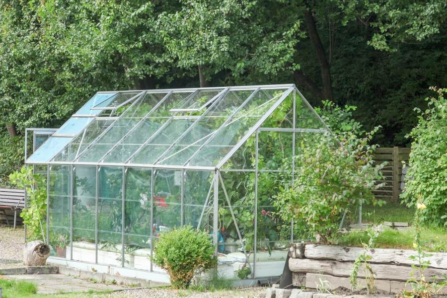 Greenhouse Plans     Insteading  greenhouse