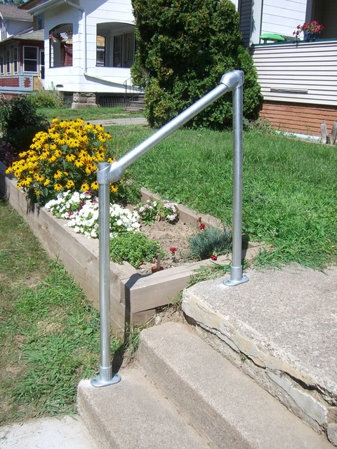 How To Build A Simple Handrail 7 Steps With Pictures | Safety Rails For Outside Steps | Stair Handrail | Wrought Iron | Steel | Front Porch | Deck Railing