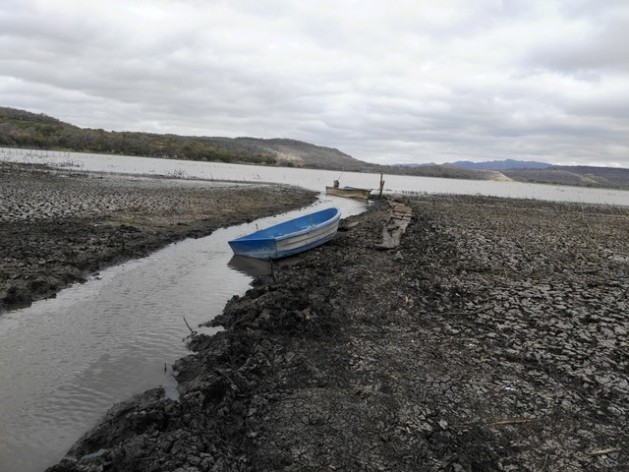 Boats stranded on the dry bed of Moyúa lake in northern Nicaragua, which has lost 60 percent of its water due to the severe drought plaguing the country since 2014. Credit: Courtesy of Rezayé Álvarez