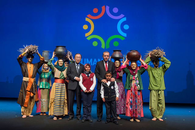 """Secretary-General Ban Ki-moon and Turkish President Recep Tayyip Erdogan hailed the Summit as a """"turning point"""" that has """"set a new course"""" in humanitarian aid. """"We have the wealth, knowledge and awareness to take better care of one another,"""" Ban said. Photo: UNOCHA"""