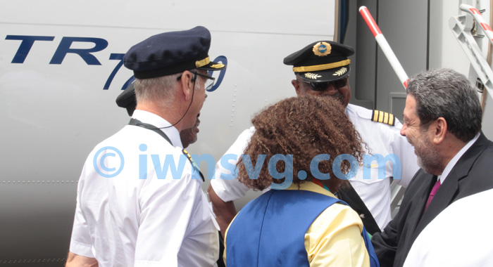 Pm Gonsalves Greets The Crew.