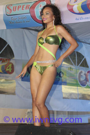 Best Swimwear: Miss Barbados Ieashia Browne. (Photo: Zavique Morris/Iwn)