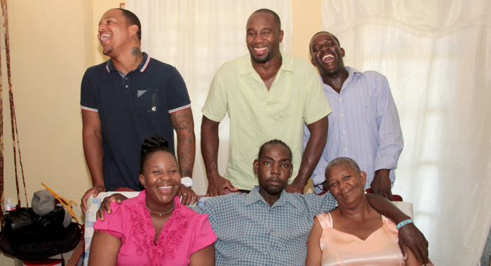 W. Alex &Quot;Nick&Quot; Chance, Front Centre, In What Would Be His Last Photo With All His Siblings And Parents, Taken Dec. 21, 2014. Front Left, Sister Nakeisha Chance-John, Front Right, Patricia Chance-Hoyte. Back Row (From Left) Brother,  Brenton Hoyte, Kenton X. Chance, And Myron Chance. (Photo: Zavique Morris-Chance)