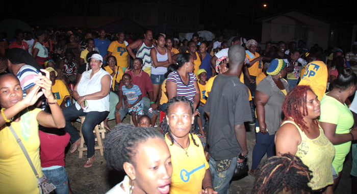 A Section Of The Crowd In Langley Park Saturday Night. (Iwn Photo)