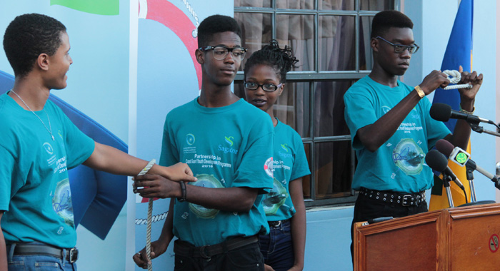 Participants Demonstrate Knots That They Learnt During The Programme. (Iwn Photo)