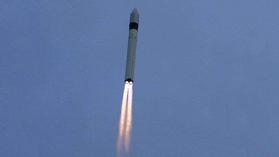 Ракета «Рокот» с блоком военных спутников стартовала с ...