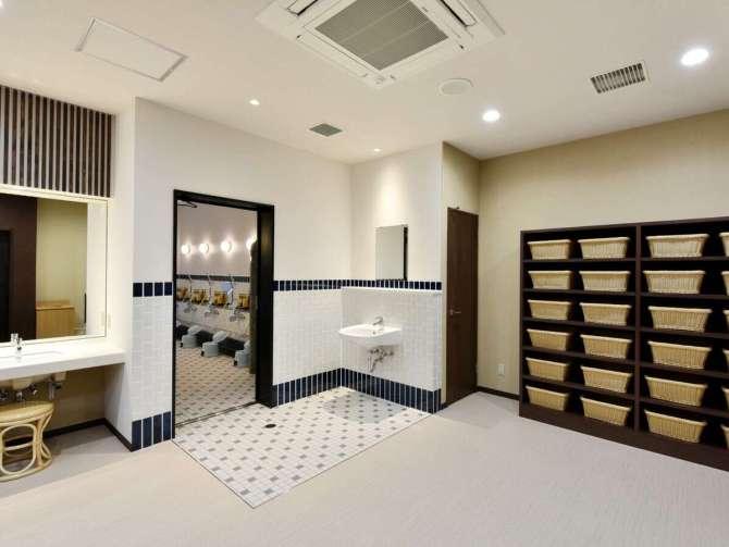 【ホテルソビアル大阪ドーム前】大浴場の脱衣所