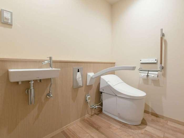 【下田大和館】専用露天風呂付き洋室のトイレ(バリアフリー対応)