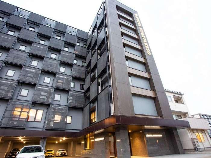 ホテル呉竹荘高山駅前の外観