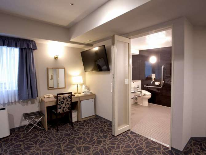 八百治博多ホテルのバリアフリールーム バスルームへの入り口