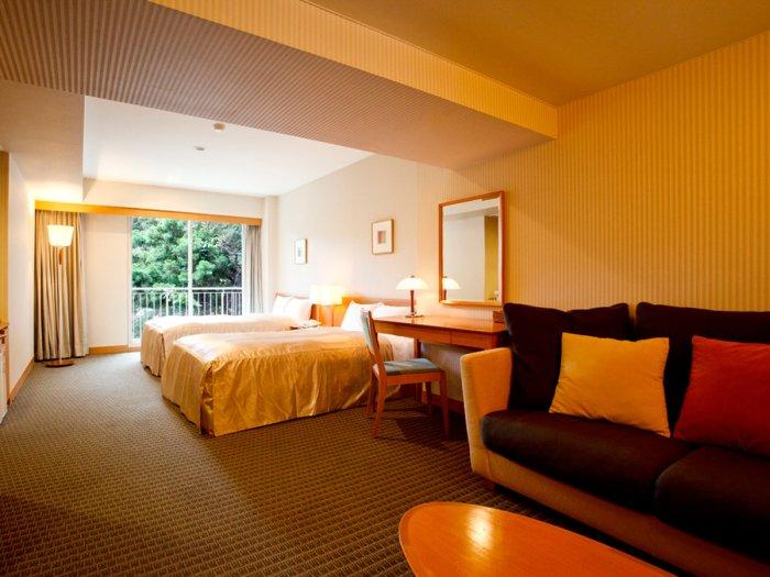 【湯本富士屋ホテル】温泉付きスーペリアツインの401号室(バリアフリー対応)