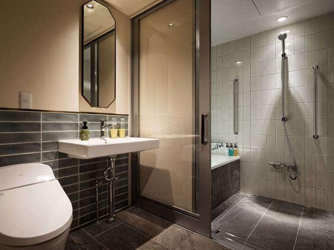 【京都グランベルホテル】ユニバーサルツインルーム(23平米)バスルームとトイレ