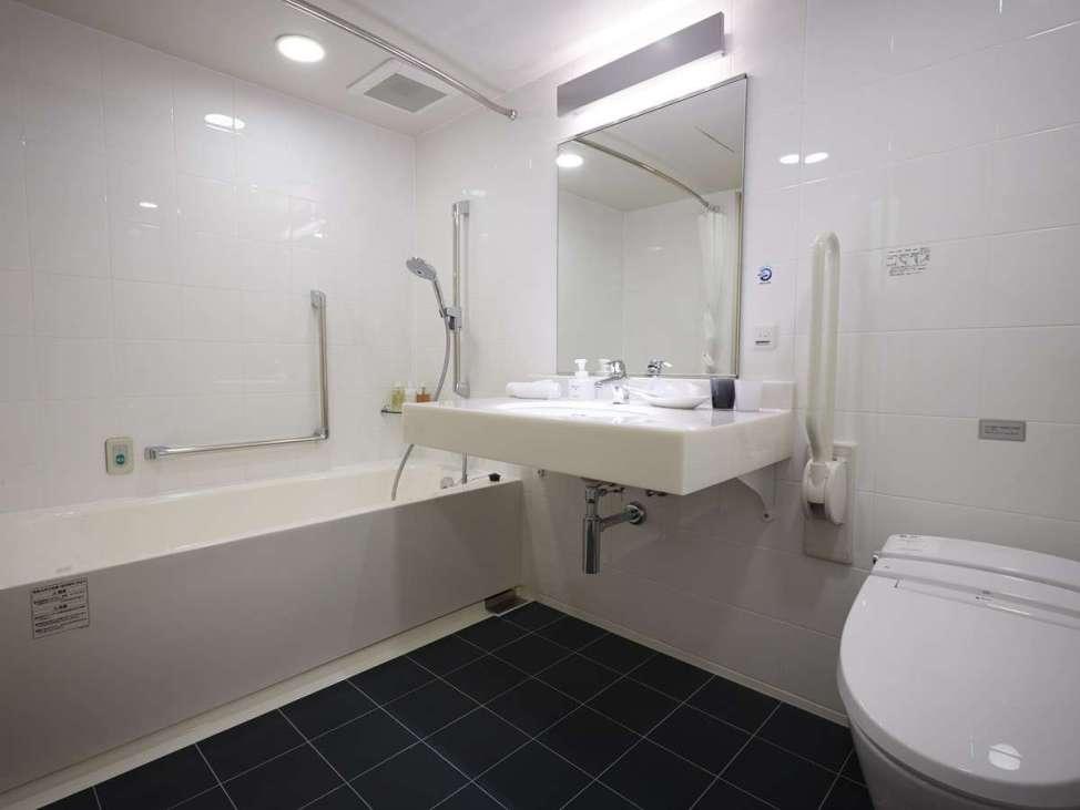 ホテルフォルツァ博多駅筑紫口Ⅰのユニバーサルツインルーム(バスルーム)