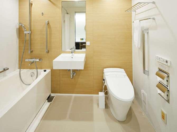 ホテルインターゲート金沢のファミリールーム(ユニバーサルルーム)のバスルーム