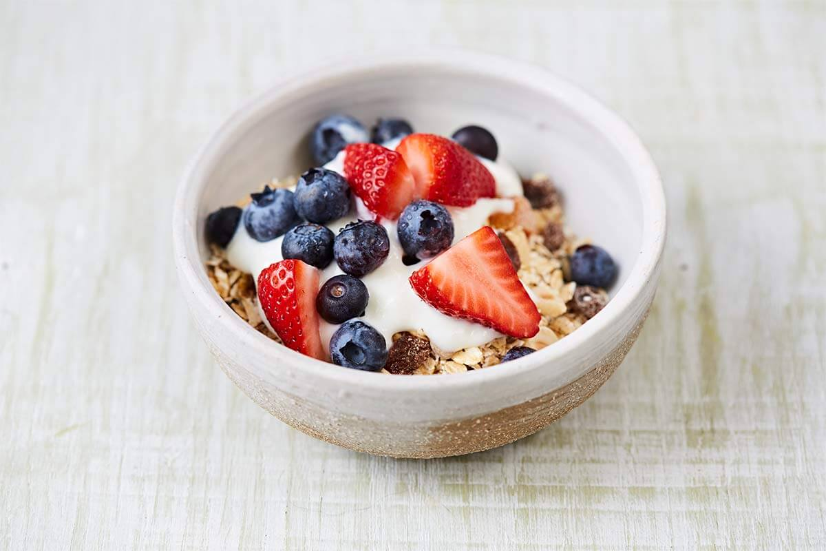 Fruity cereal bowl 19540 1200x800 - Healthy fruits snack