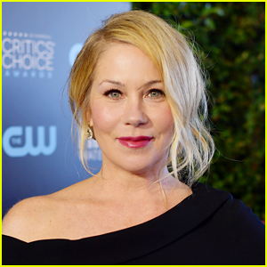 Christina Applegate Reveals Diagnosis with Multiple Sclerosis (MS)