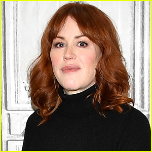 Molly Ringwald Shares Emotional Tribute Mourning the Death of Her Dad Bob Ringwald