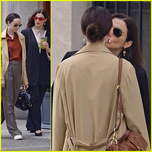 Rachel Weisz Kisses 'Dead Ringers' Co-Star on the Cheek