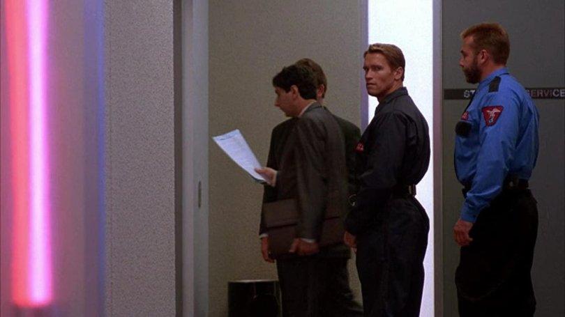 Кадр из фильма «Бегущий человек» (1987). Источник:[IMDb](https://www.imdb.com/title/tt0093894/mediaviewer/rm2620696321/)