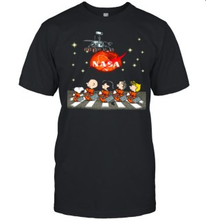NASA Snoopy Charlie Brown And Friends Abbey Road Mars Perseverance Rover Mission 2020 shirt Classic Men's T-shirt