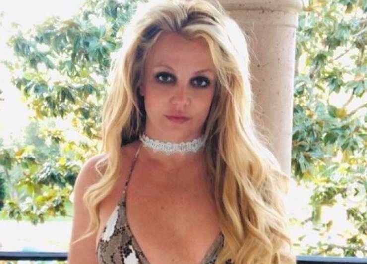 Bizarne spletne objave: Je Britney Spears v nevarnosti ?
