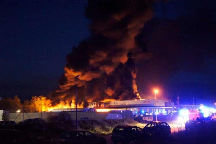 Rezultat iskanja slik za kemis požar