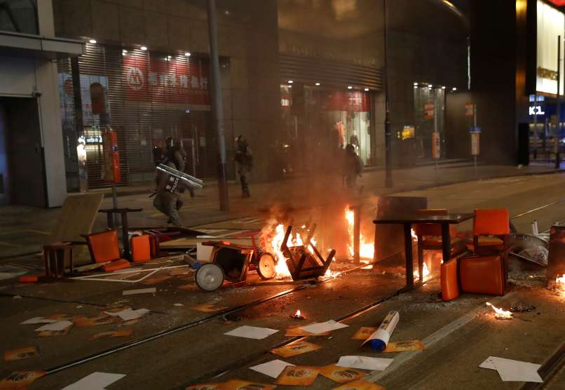 hongkong, protesti, vodni-topovi