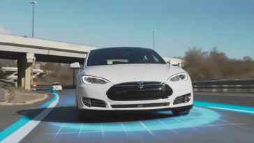 L'Autopilot de Tesla peut facilement être berné, affirme une association de consommateurs